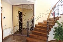 Otdelka dverej shkafa kupe zerkal'noj plitkoj s facetom (1)