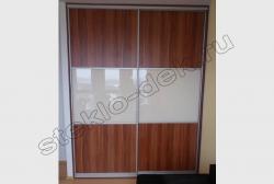 Krashenoe steklo LAKOBEL'' 1013 zhemchuzhno-belyj v razdvizhnyh dverjah shkafa-kupe (4)