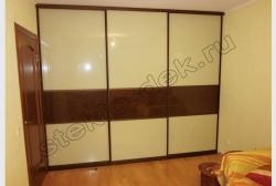 Krashenoe steklo LAKOBEL'' 1015 bezhevyj v razdvizhnyh dverjah shkafa-kupe (4)