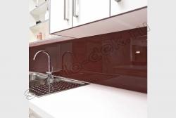 Kuhonnyj fartuk iz lakirovannogo stekla LAKOBEL'' 8017 temno-korichnevyj (1)