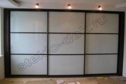 Krashenoe steklo LAKOBEL'' v razdvizhnyh dverjah shkafa-kupe 9010 belyj (2)