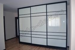 Krashenoe steklo LAKOBEL'' v razdvizhnyh dverjah shkafa-kupe 9010 belyj (5)
