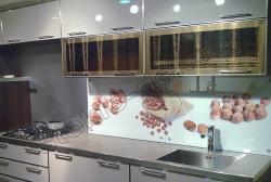 Steklo DIAMANT zolotoe v kuhonnyh fasadah (2)