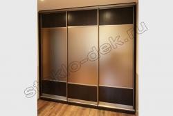 Razdvizhnye dveri vstroennogo shkafa-kupe s matirovannym zerkalom (2)