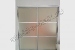 Shkaf-kupe s dekorativnym matovym zerkalom (3)