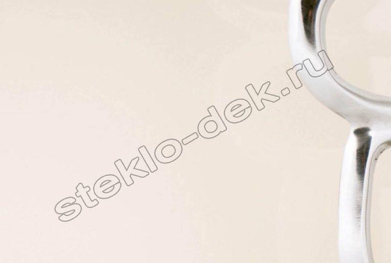 Krashenoe steklo LAKOBEL'' 1013 zhemchuzhno-belyj